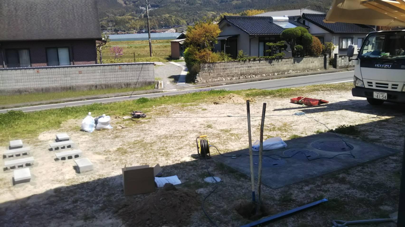 ギャラリーパティオのワイドカーポート & 駐輪場付き物置の施工前の写真1