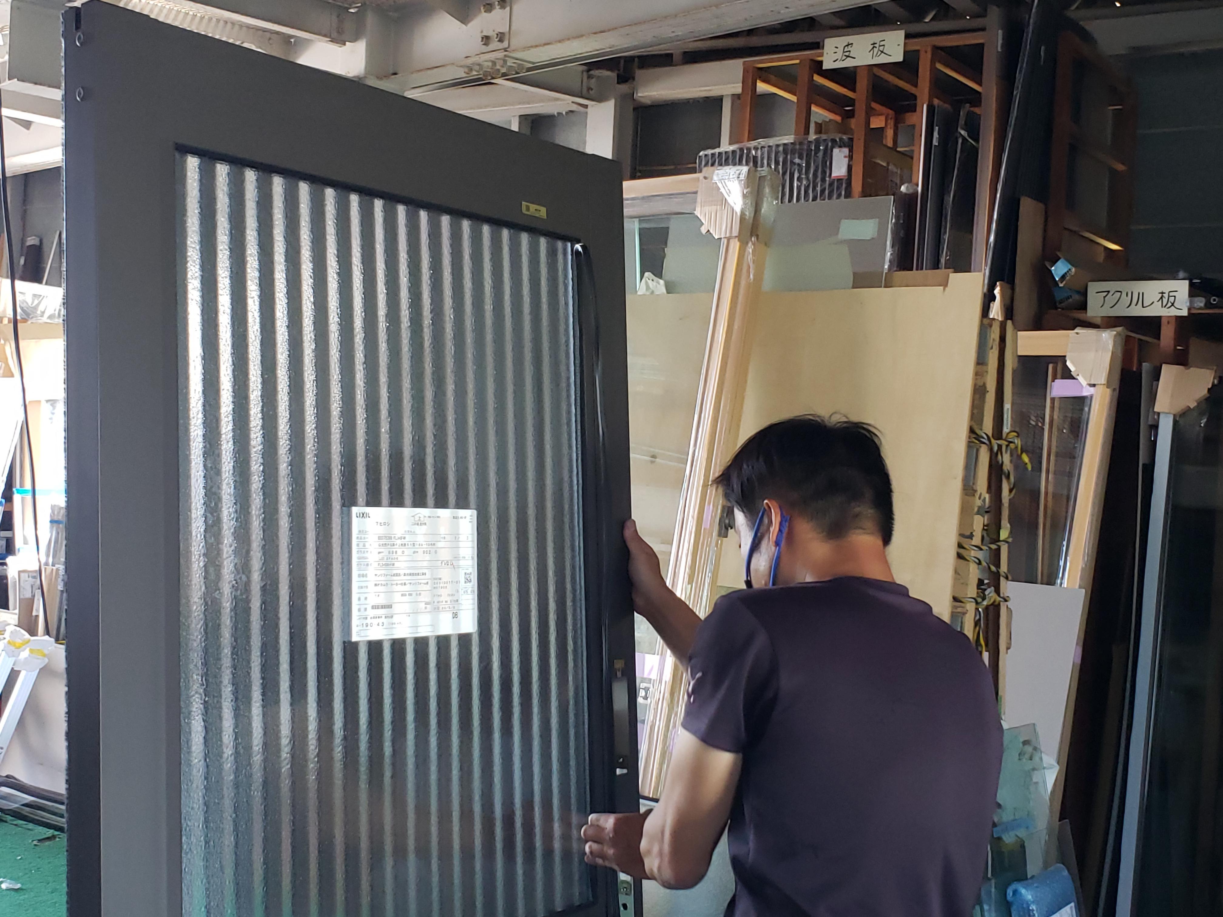 玄関 引き戸 組立 ギャラリーパティオの現場ブログ メイン写真