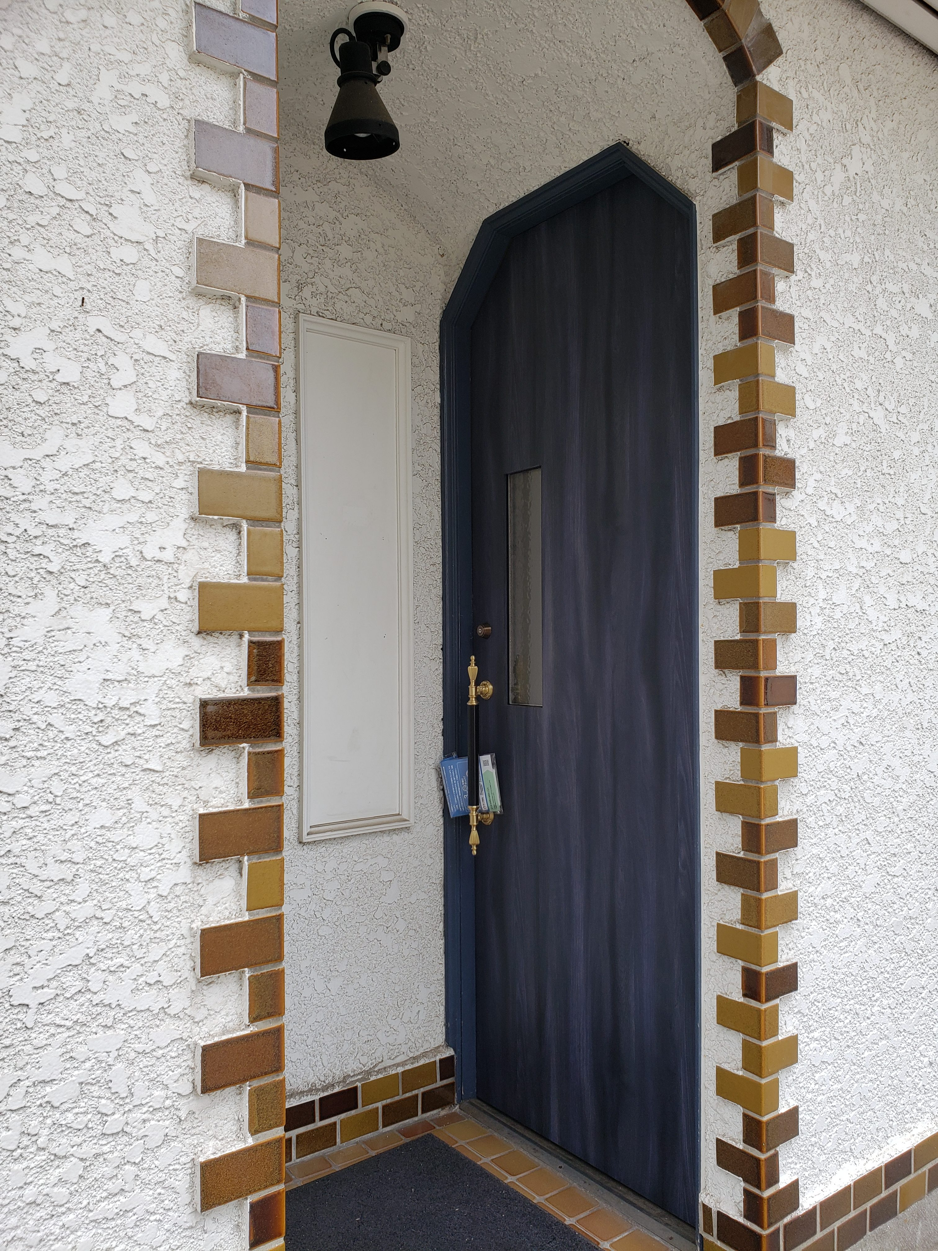 ドア交換 飲食店 ギャラリーパティオの現場ブログ メイン写真