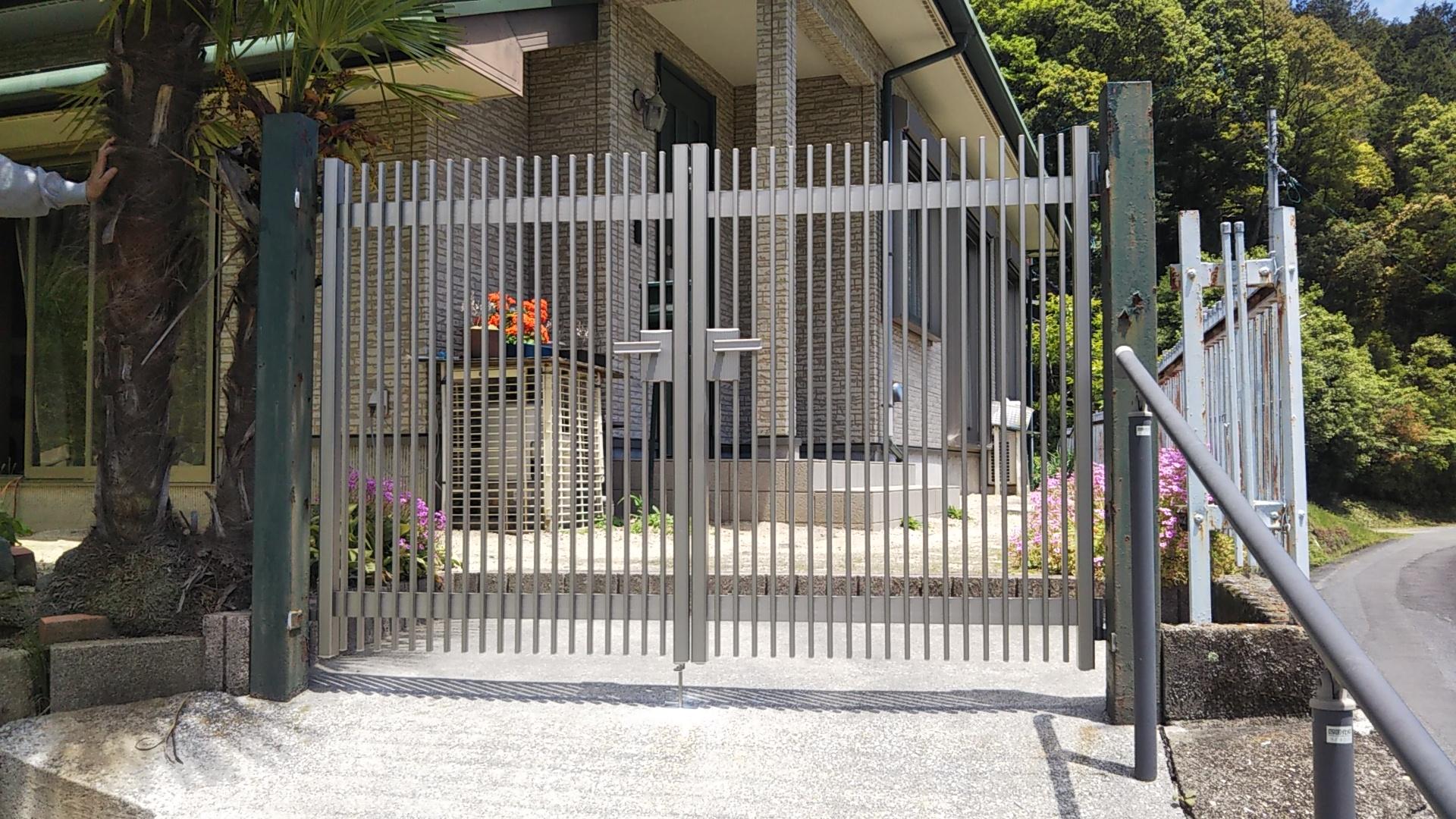 ギャラリーパティオの門扉 交換 の施工事例写真