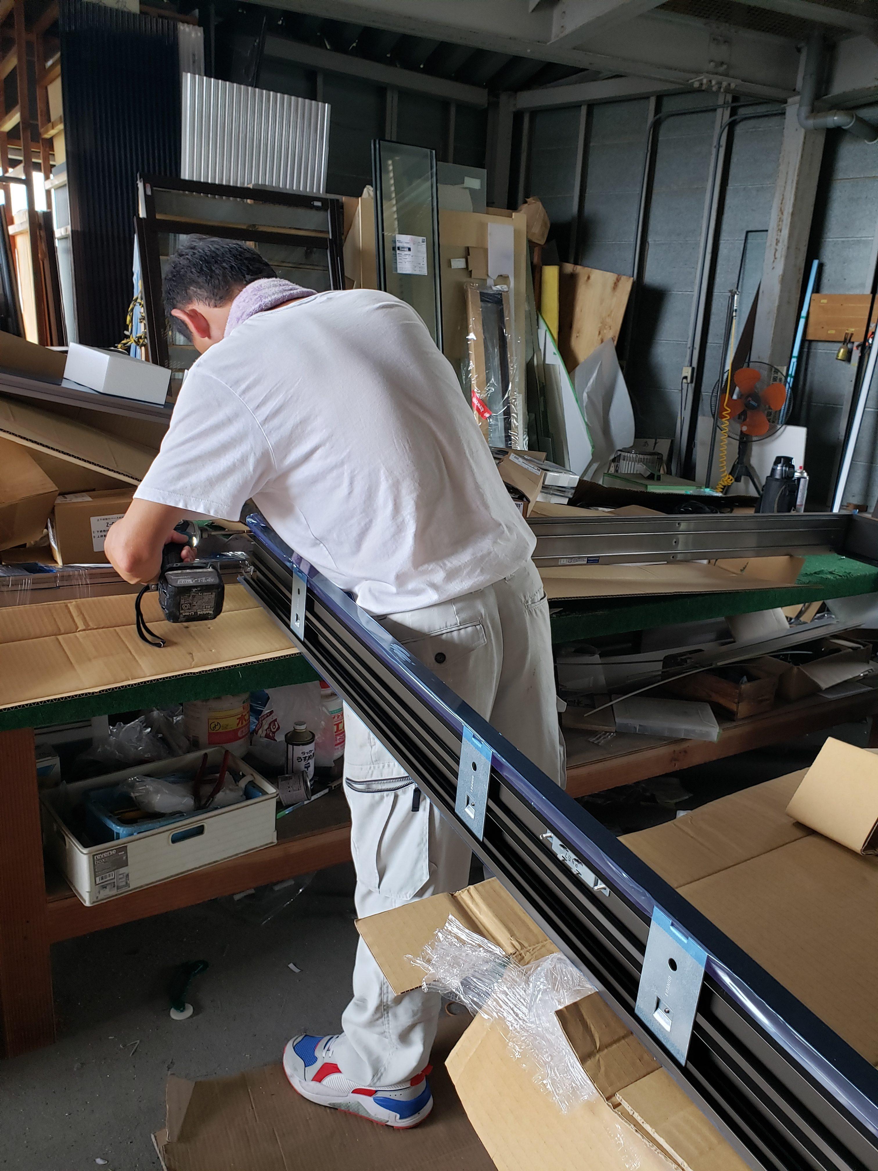 作業場 組立 リシェント 引戸 ギャラリーパティオの現場ブログ メイン写真