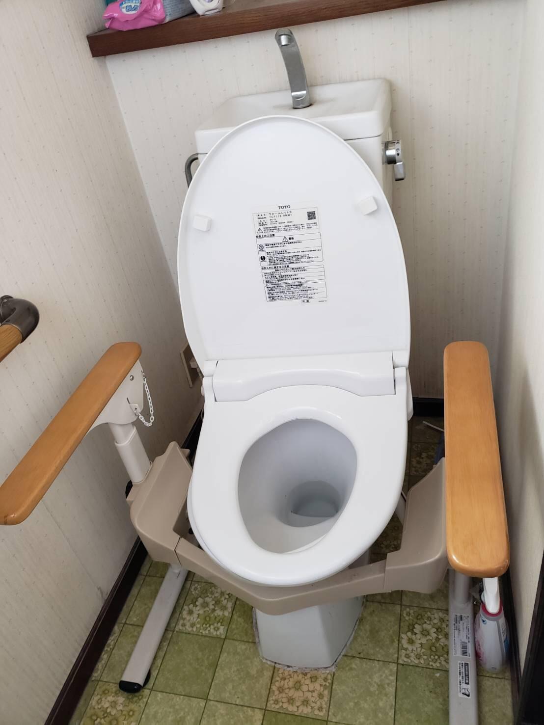 ギャラリーパティオのトイレ バリアフリーリフォームの施工前の写真1