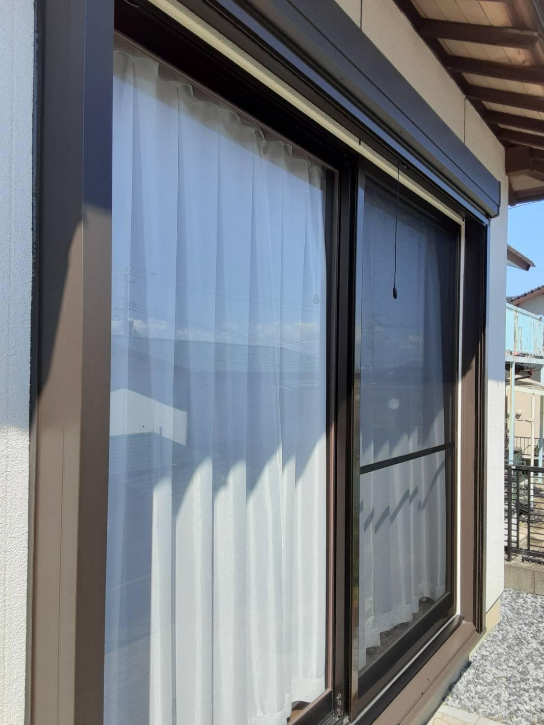 ギャラリーパティオのシャッター雨戸 及び 雨戸一筋の施工後の写真2