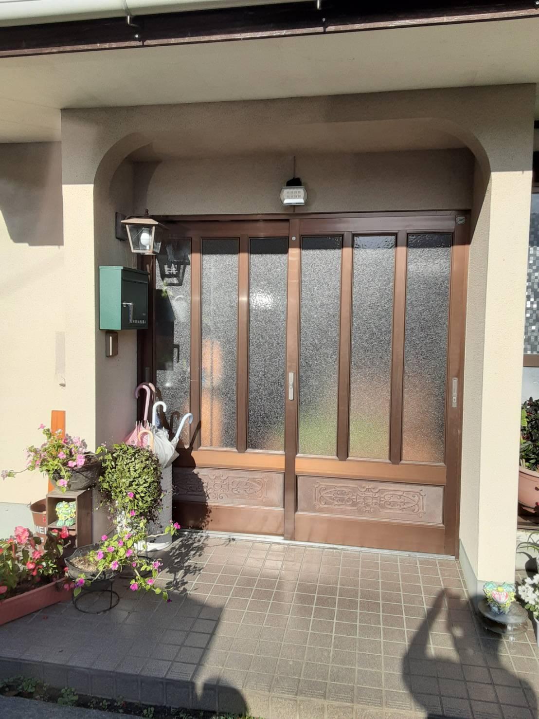 玄関 引戸 ガラス交換 ギャラリーパティオの現場ブログ メイン写真