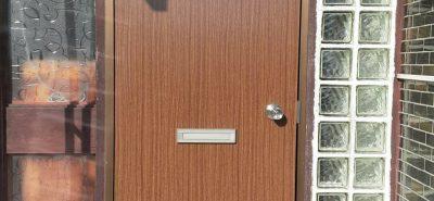 施工事例:貸家 ドア交換