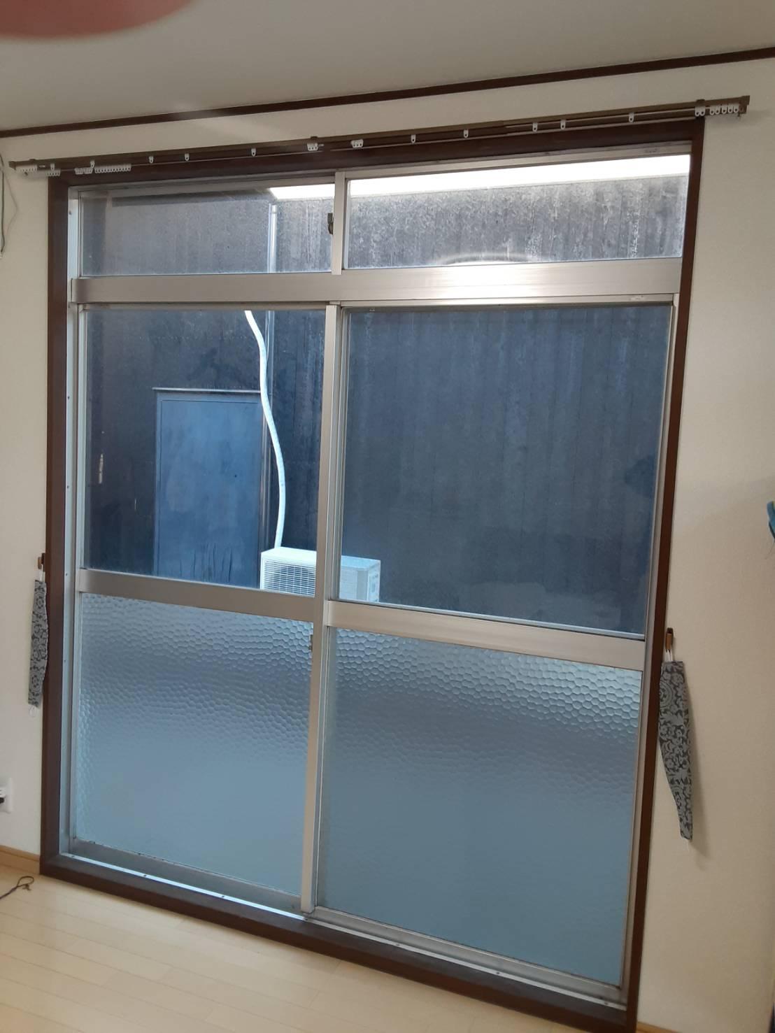 ギャラリーパティオの内窓設置工事の施工前の写真1