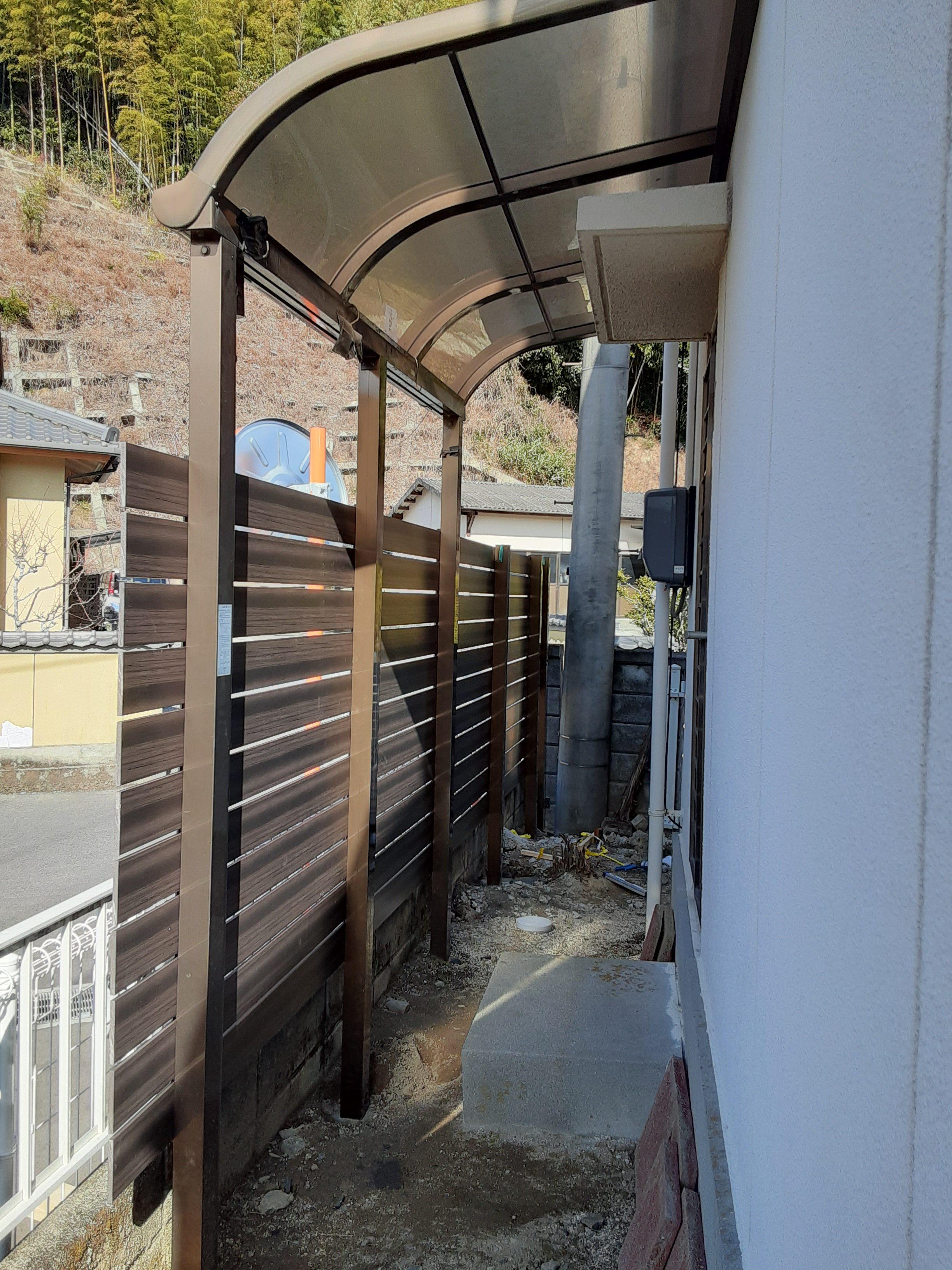 ギャラリーパティオの目隠しフェンス工事の施工後の写真1