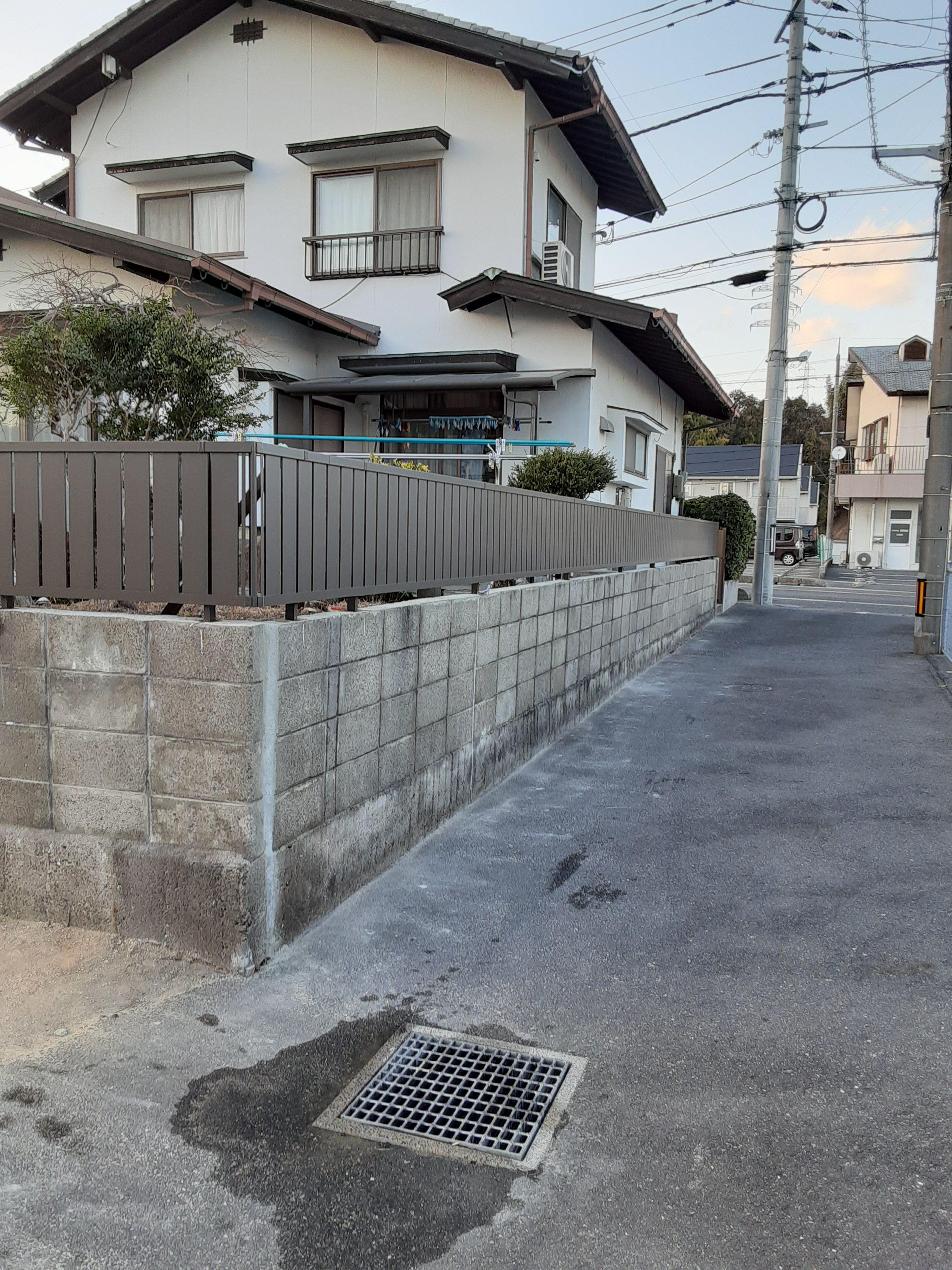 ギャラリーパティオのフェンス工事 及び ブロック塀補修工事の施工後の写真1