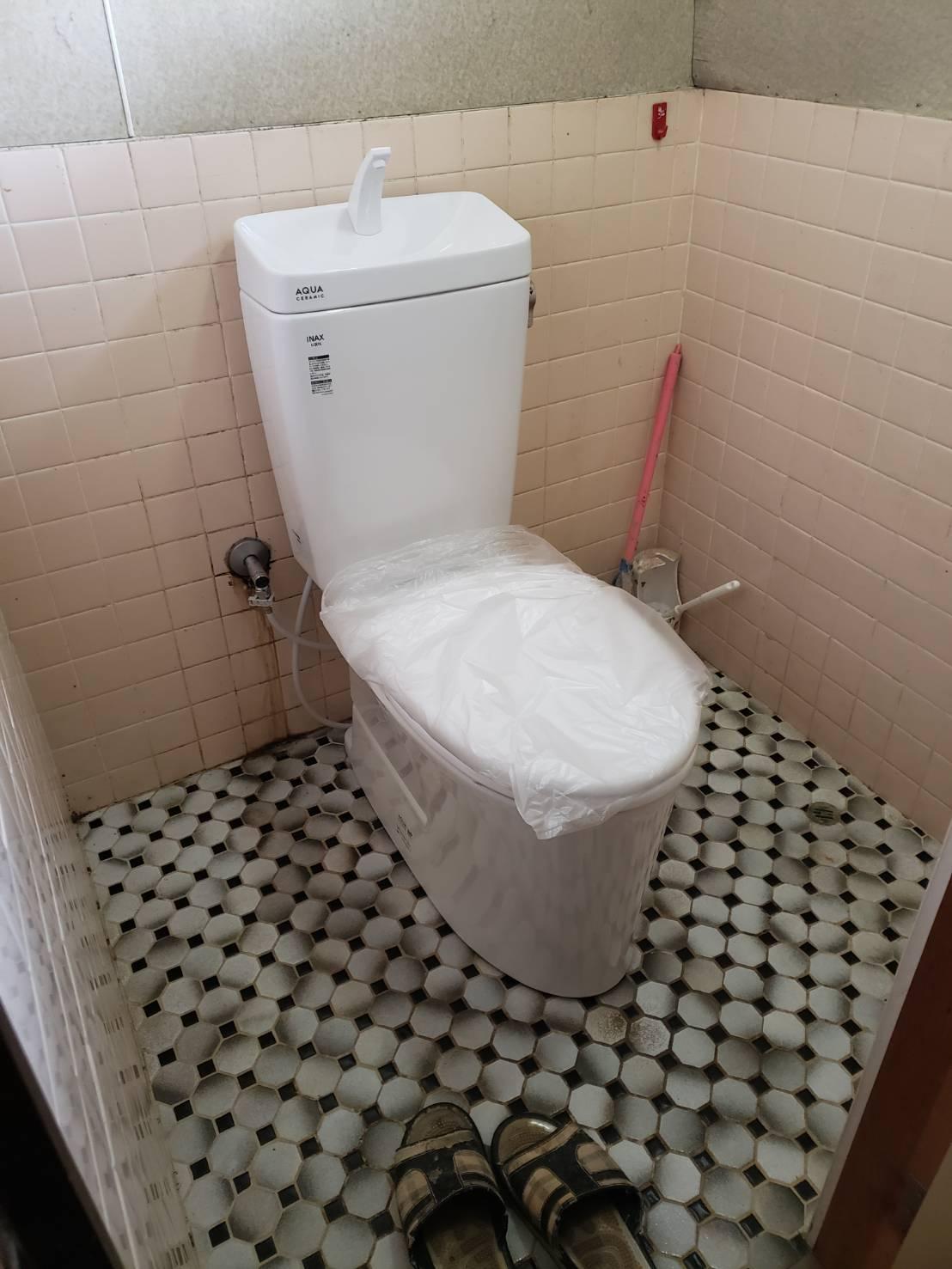 トイレ交換 2F  ギャラリーパティオのブログ メイン写真