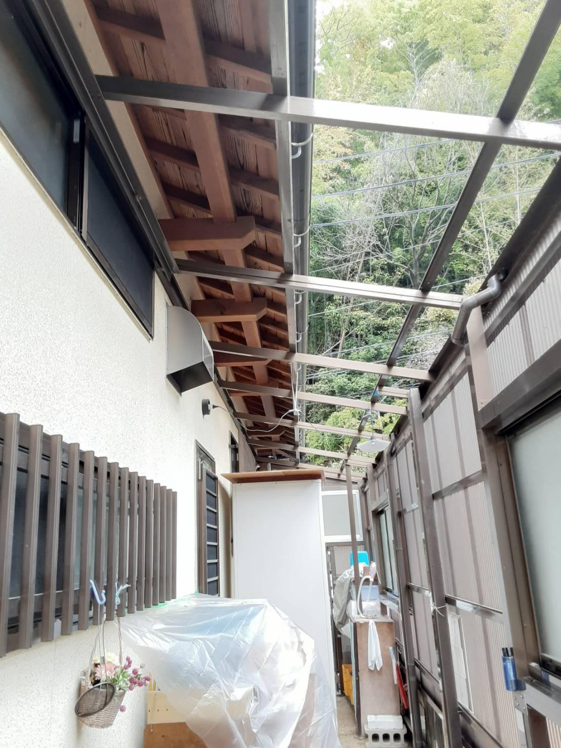 ギャラリーパティオのテラス囲い 波板交換の施工後の写真2