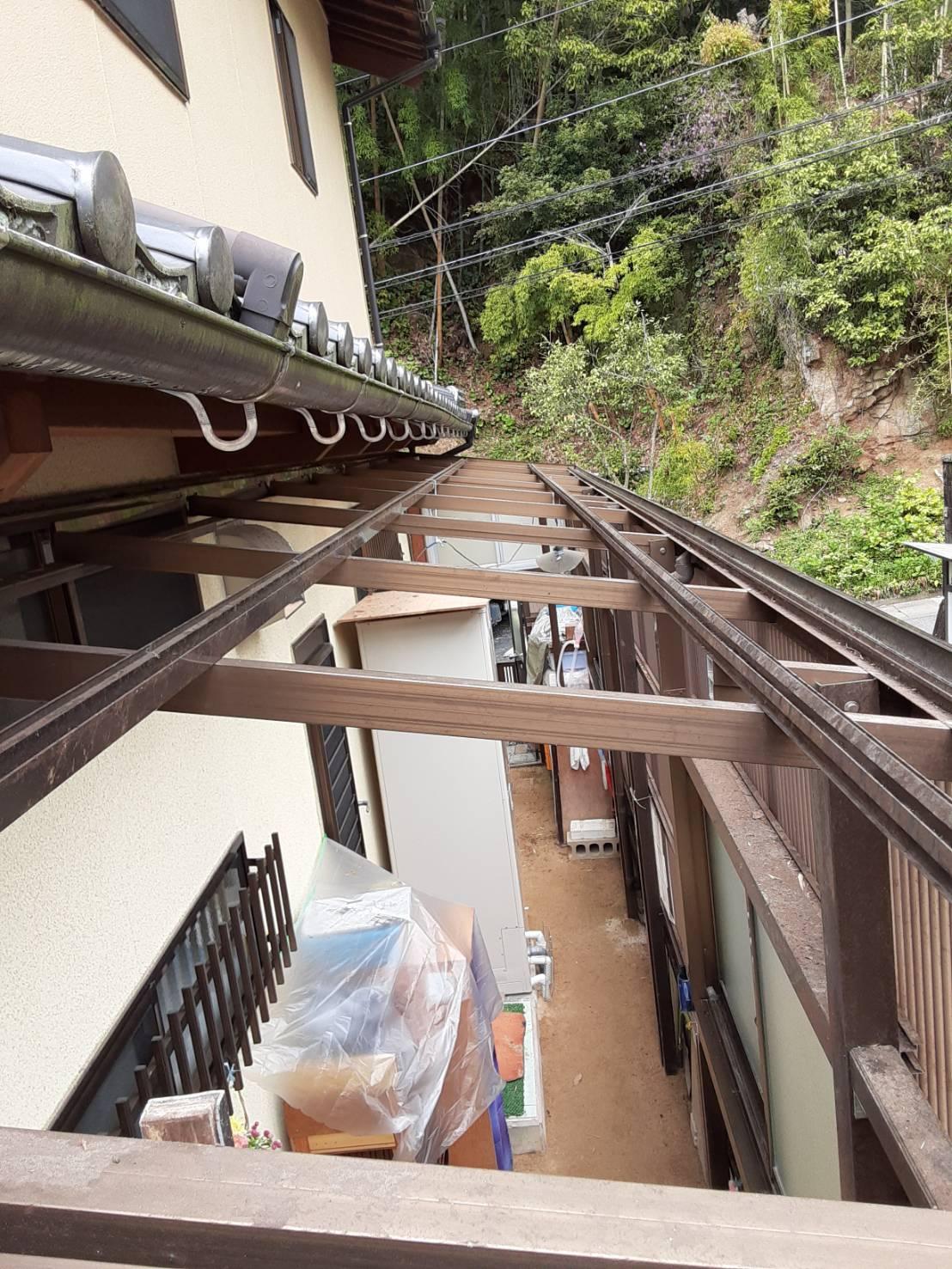 ギャラリーパティオのテラス囲い 波板交換の施工後の写真1